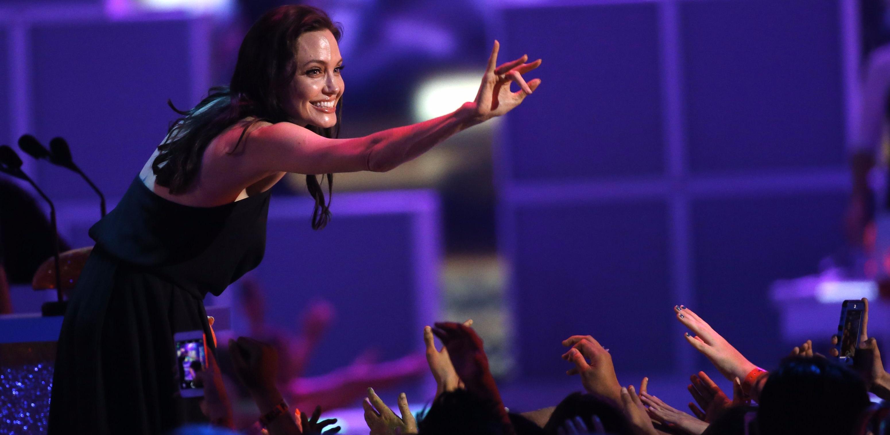 Angelina Jolie'den çocuklara: Farklı olmak iyidir