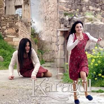 Diken üstünde yürüyen kadınlar